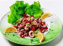 Salata od sipe s mešanim povrćem