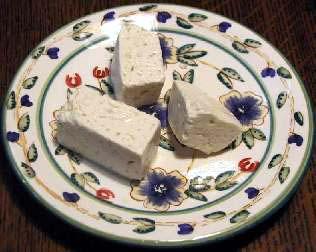 Salata od sira i senfa