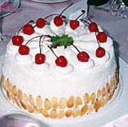 Brzi kolač s višnjama i pudingom
