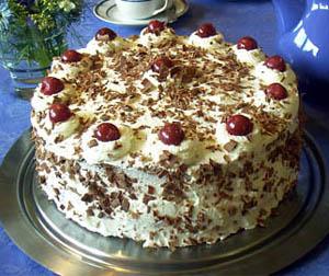 Čokoladna torta s keksom
