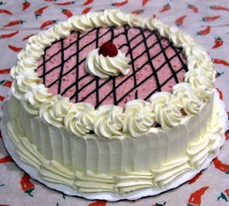 Šlag-krem torta s plazmom i čokoladom