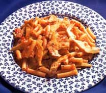 Salata od makarona, šunke i sira