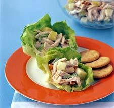 Pileća salata sa kikirikijem i jabukama