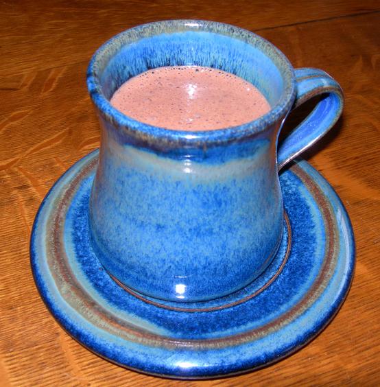 Topla čokolada s medom