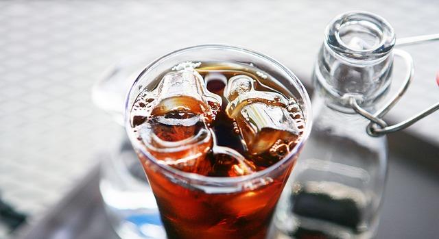 "Koktel ""long island iced tea"""