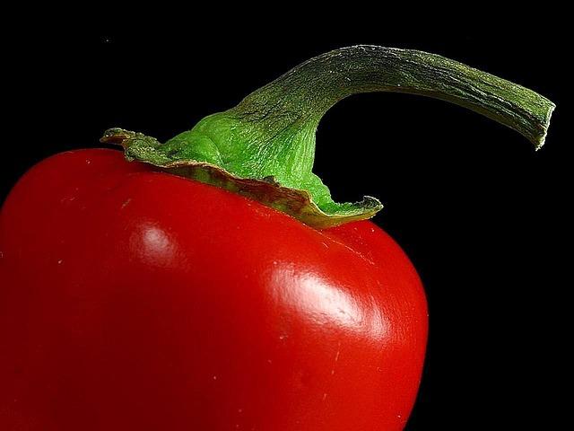 Paprike s belim lukom – za zimnicu