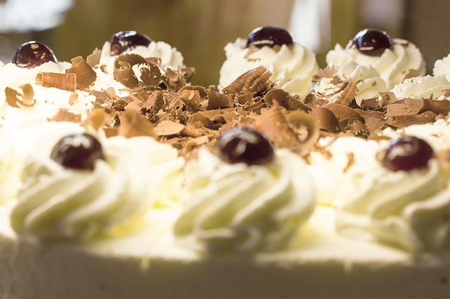 Lešnik torta sa dva fila