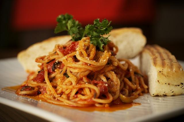 "Špageti ""tanjir da poližeš"""