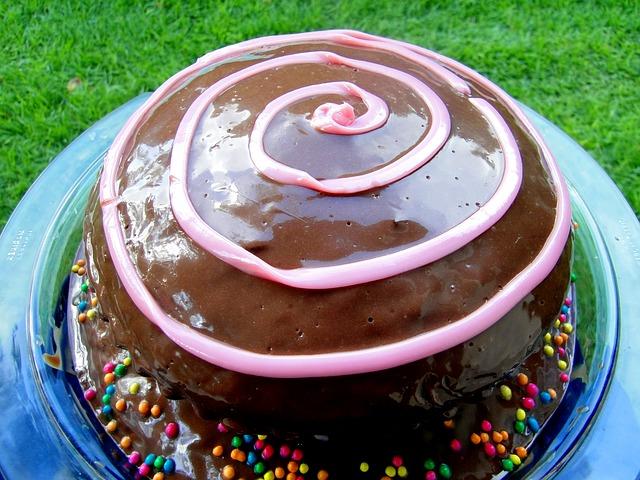 Čokoladna torta s orasima i kakaom