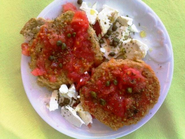 Dakos (grčka salata)