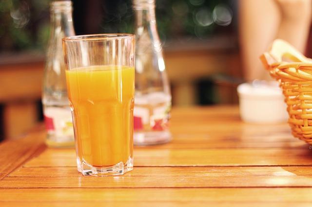 Sok od zaleđenih limuna i pomorandži