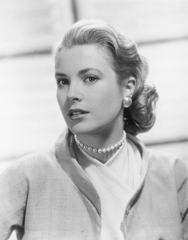 Grejs Keli u filmu Prozor u dvorište (1954).