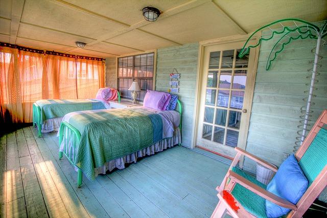 bedroom-349699_640