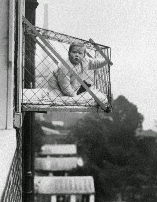 Kavezi za decu koja žive u zgradama  1937.