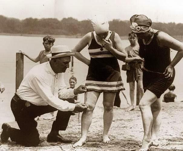 Merenje kupaćih kostima 1920. - za prekratke je propisana kazna