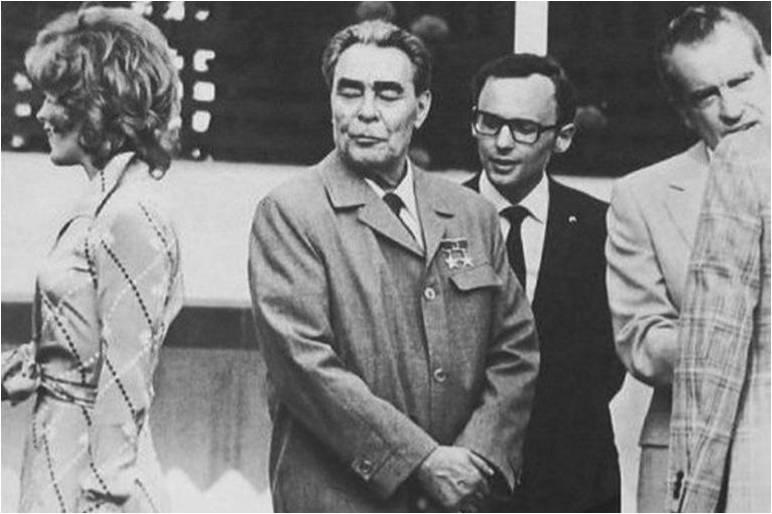 Leonid Brezhnev, Richard Nixon and Jill St John (Bond girl in Diamonds Are Forever