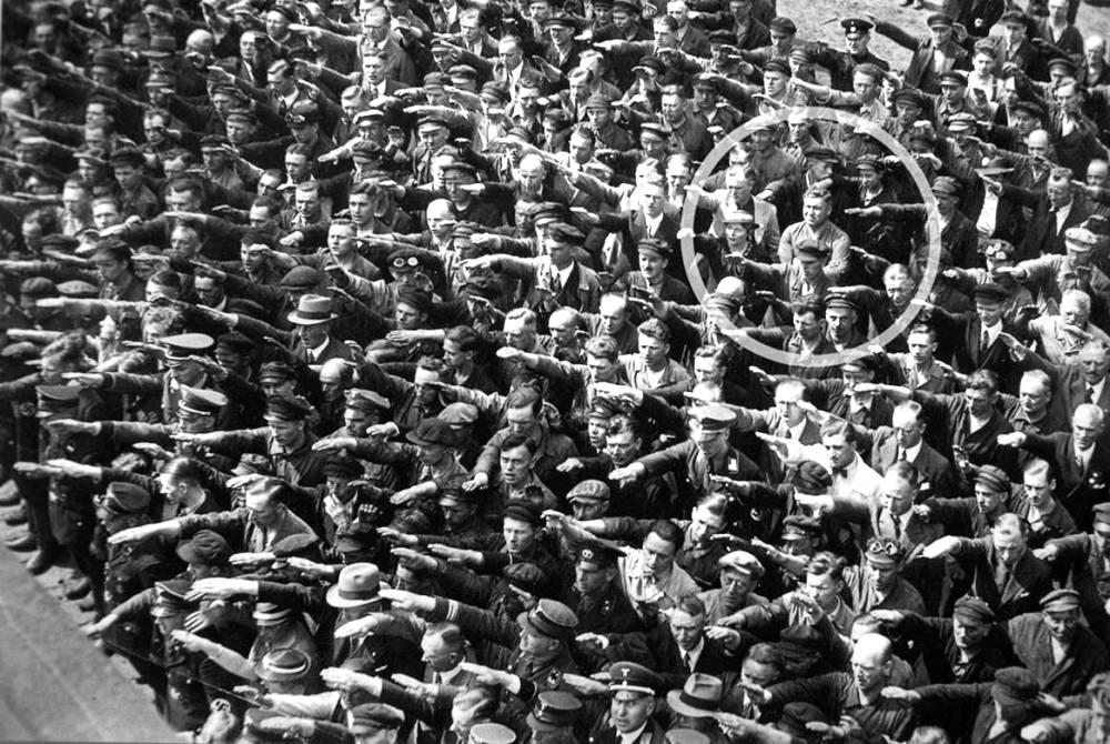 august-landmesser-man-refused-salute-hitler-1936