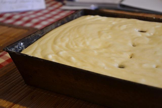 Lešnik kocke s marmeladom od kajsija