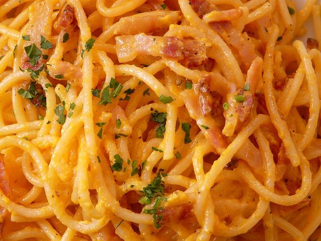 Špageti sa vinom i pavlakom
