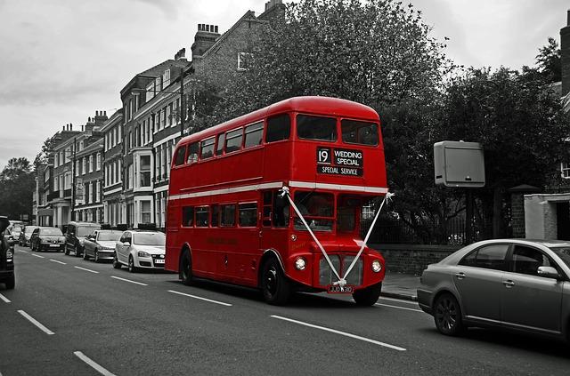 bus-84711_640