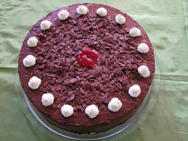 Sladoled torta s eurokremom i orasima