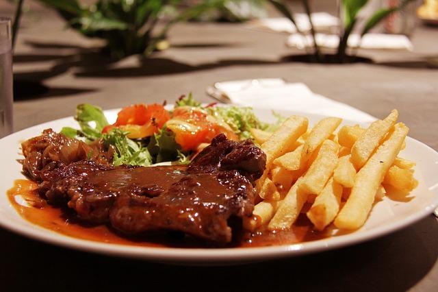 Gurmanski biftek sa grilovanim tikvicama