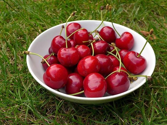 cherries-370909_640