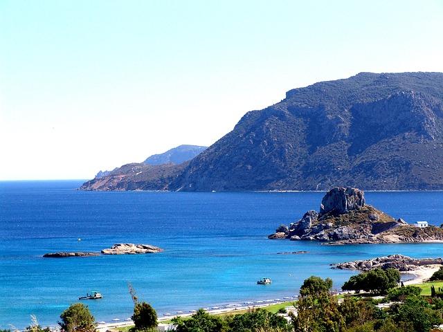Ostrvo koje krase duge peščane plaže i tirkizno more