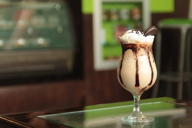 Kafa sa sladoledom