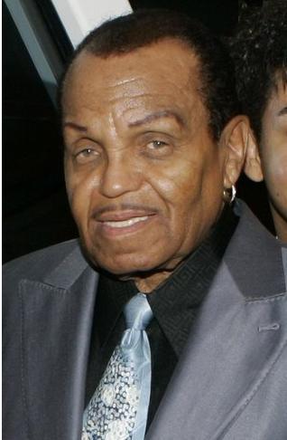 Otac Majkla Džeksona doživeo moždani udar