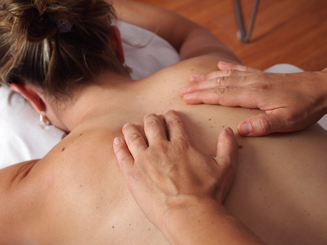 3 saveta za NEZABORAVNU erotsku masažu