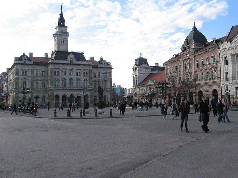 Novi Sad: Devojka izvršila samoubistvo skokom sa zgrade