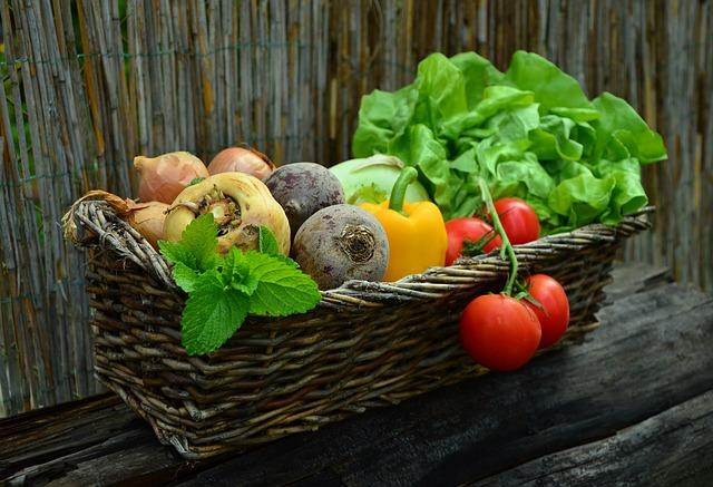 Uklonite hemikalije s voća i povrća za tren oka uz pomoć OVOG sastojka
