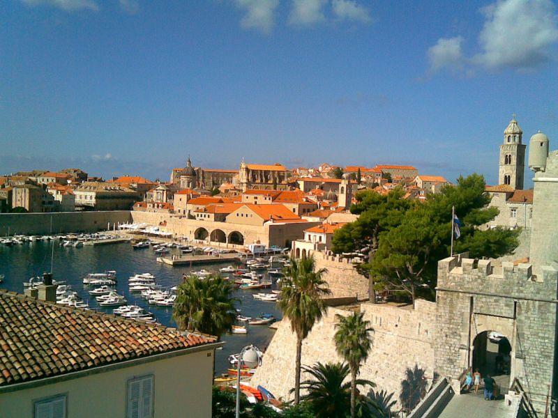 Dubrovnik preskup i milijarderima: Potrošili 50.000 evra u klubu, pa odbili da plate račun