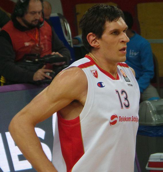 Marjanović koristi šansu, aplaudirali mu navijači rivala