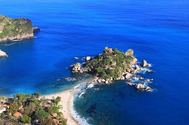 Rajske plaže i plavetnilo mora