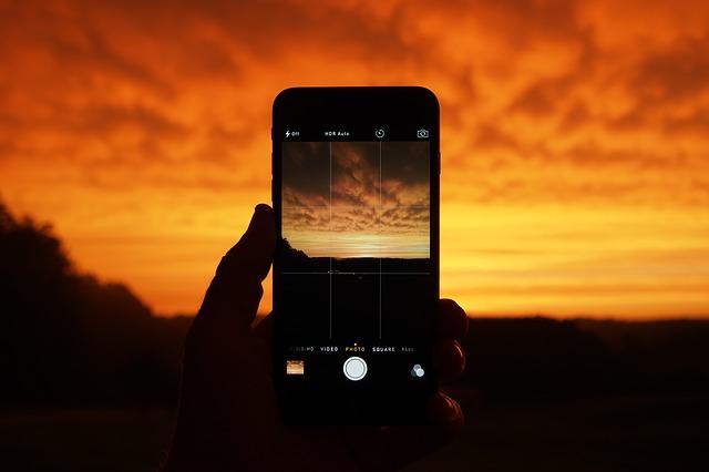 Saudijci prave telefone koji mogu da se samounište