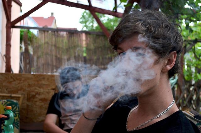 Tinejdžeri više koriste marihuanu nego duvan!