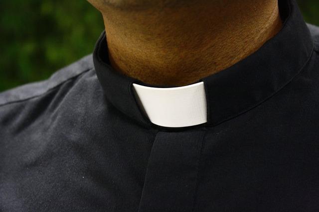 """Oženjeni sveštenici – papin """"šamar"""" konzervativnim katolicima"""