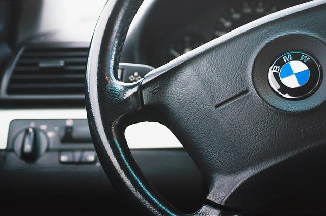 Racija u VW, BMW, Dajmleru zbog kartelske kupovine čelika