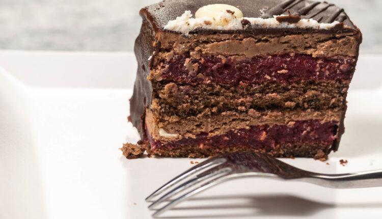 Žarbo torta – retke su joj ravne