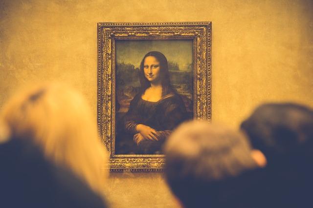 Turisti besni: Satima čekaju da na par minuta pogledaju Mona Lizu