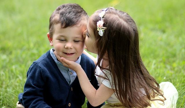 Ljubite se ljudi: Danas se obeležava Svetski dan poljupca