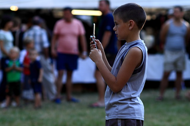 Ima li pomoći za decu zavisnu od mobilnih?