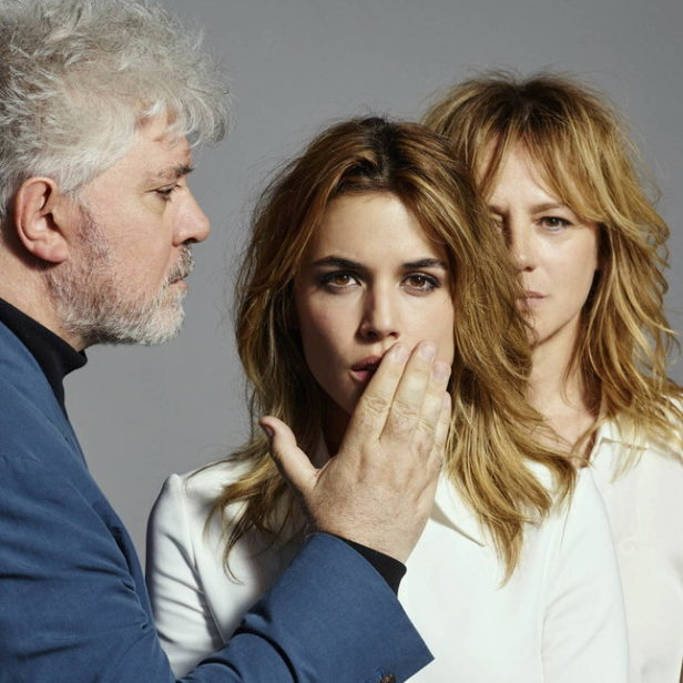 2-pedro-almodovar-and-the-actresses-of-julieta