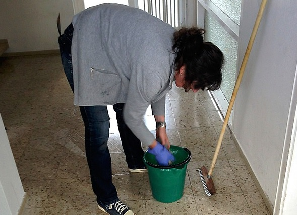 Ona svake nedelje kuću čisti solju: Kad saznate zašto i vi ćete učiniti isto