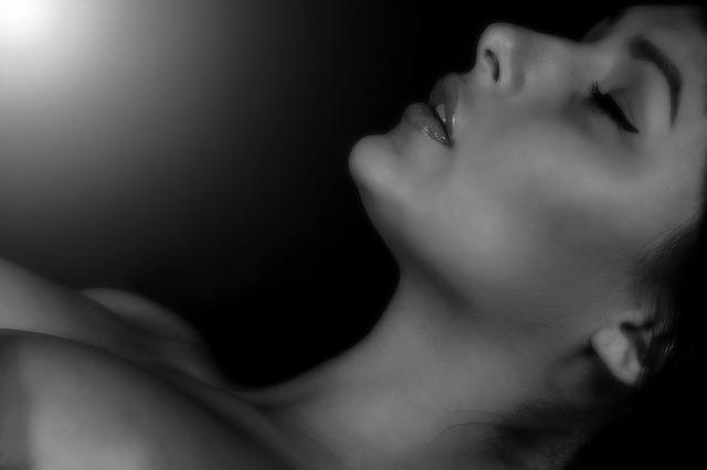 Otkrivamo 8 velikih tajni ženske masturbacije