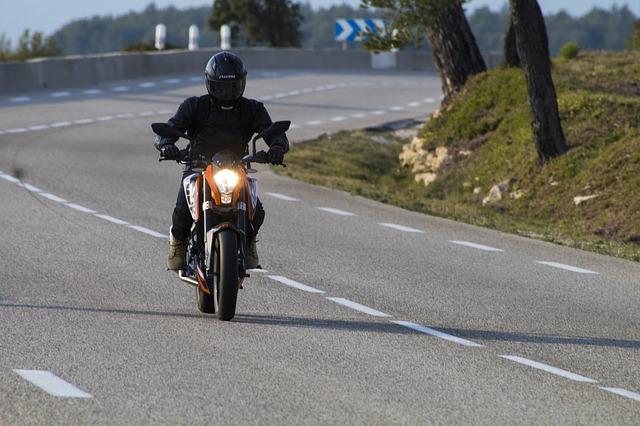 Motociklisti dok je vozio ispala ušteđevina iz džepa, evo koliko je izgubio!