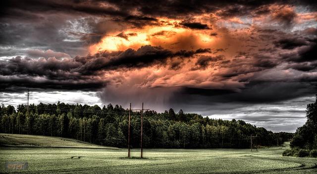 Obratite pažnju: Šta kad se nađete usred oluje i nevremena?