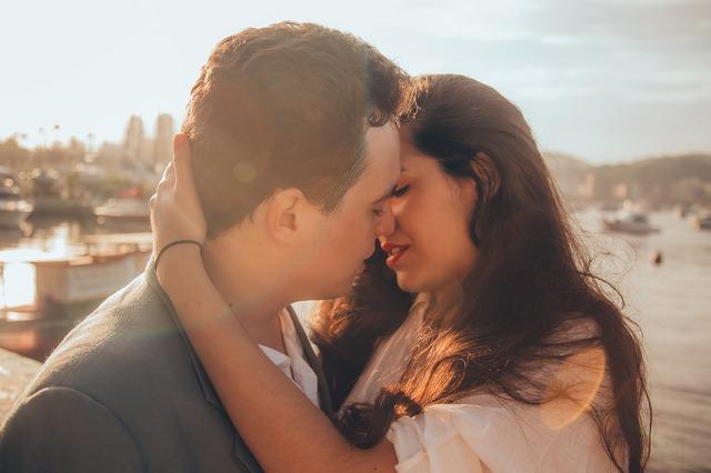 Kakav je vaš stil ljubljenja? Izbegavajte OVE 3 vrste poljupca